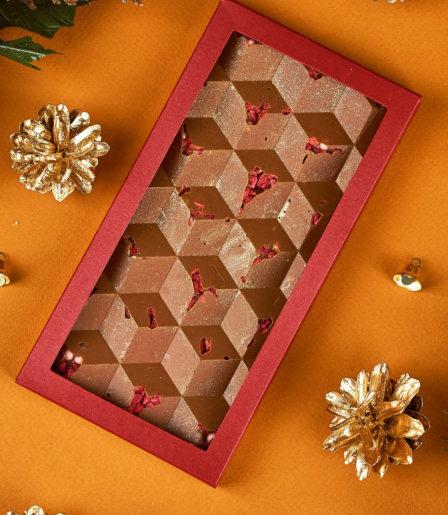 Шоколад ручной работы М-019